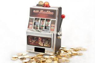 Spardose Spielautomat #0